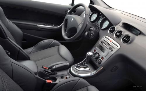Интерьер Peugeot 308