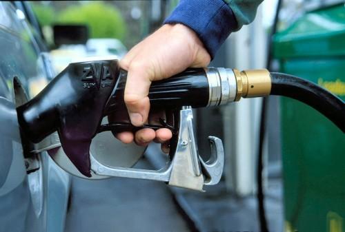 Поддельный бензин - проблема автолюбителей