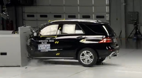 crash test mercedes m