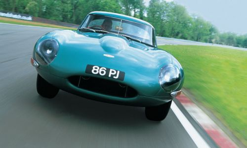 Jaguar соберет 6 E-Type Lightweight
