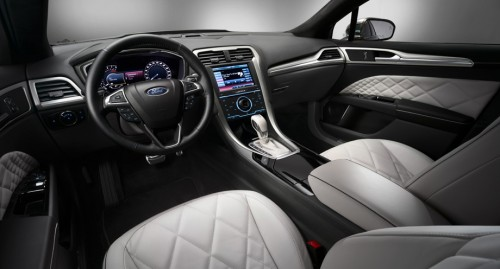 Ford-Mondeo-2014-salon