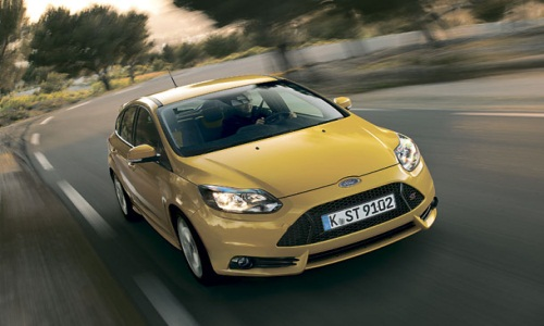 Ford представил обновленный Focus ST